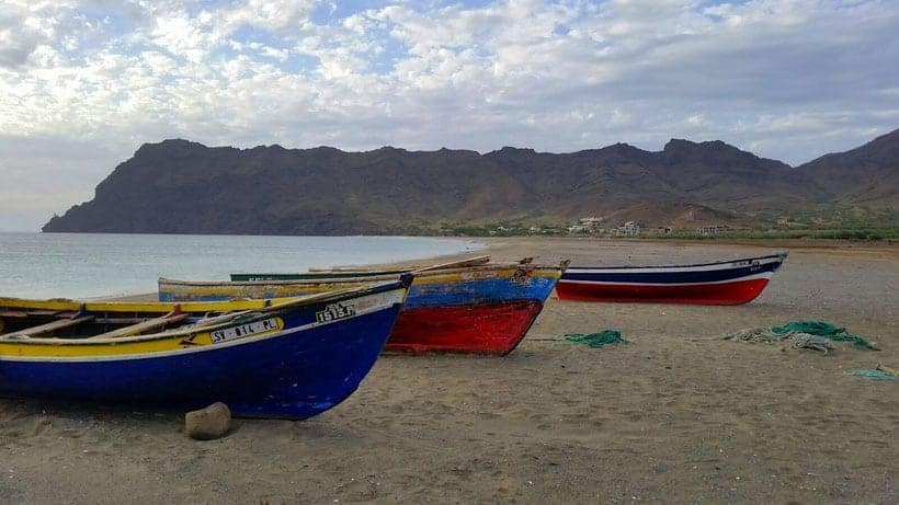 mindelo, cabo verde, cape verde, what to do, sao vicente, hiking, food, restaurant, marina, boat, party, music, shopping, outdoor, trekking, windsurf