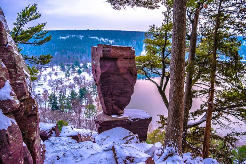 hiking in northern wisconsin, wonderful winter hike at Devil's Lake in Wisconsin