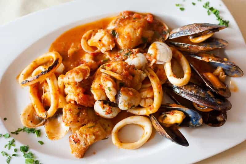What to eat in Spain, Fresh fried spicy seafood plate mixed diablitos style