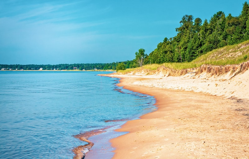 Best Things to do in Door County, WI, Beach coastline of Lake Michigan from Whitefish Dunes State Park in Door County