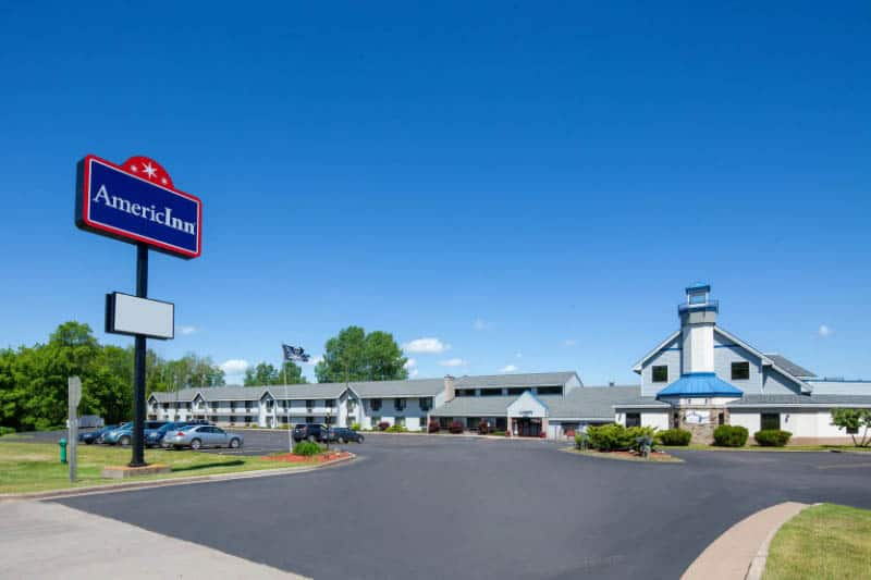 where to stay apostle islands Wisconsin, Front view of the AmericInn in Ashland