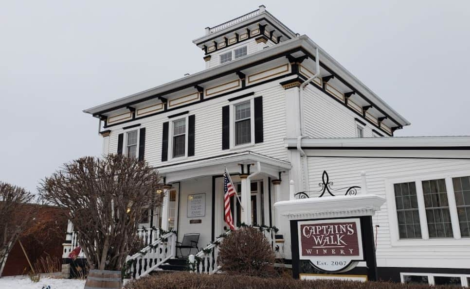 Best things to do in Green Bay, front view of Captain's Walk Winery