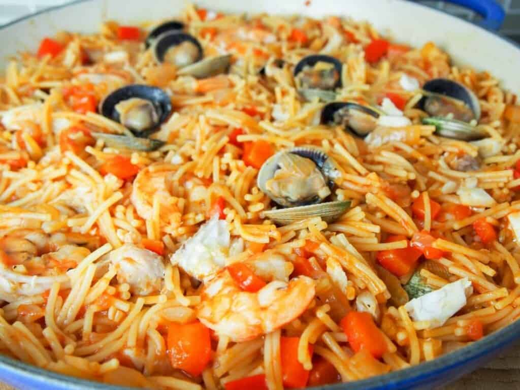 """Famous Dishes in Spain, Fideua – """"Noodle Paella"""" dish"""