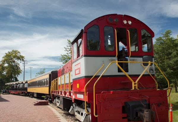 Things to do in Green Bay, view of train in National Railroad Museum